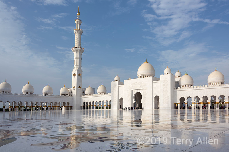 Reflections in the courtyard, Sheikh Zayed Grand Mosque, Abu Dhabi, UAE
