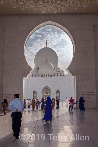 Main entrance, Sheikh Zayed Grand Mosque, Abu Dhabi, UAE