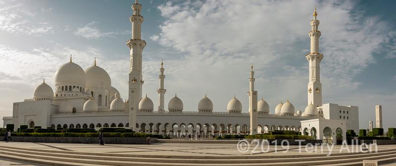 Sheikh Zayed Grand Mosque panorama, Abu Dhabi, UAE