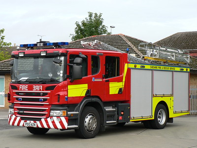 CHESHIRE FIRE & RESCUE SERVICE - Water Ladder