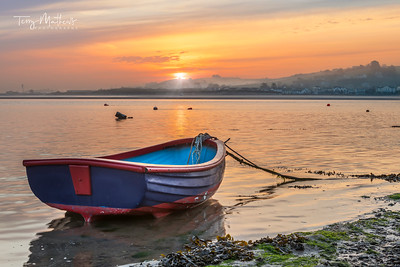 UK Weather: Beautiful Dawn sky in Appledore, North Devon.
