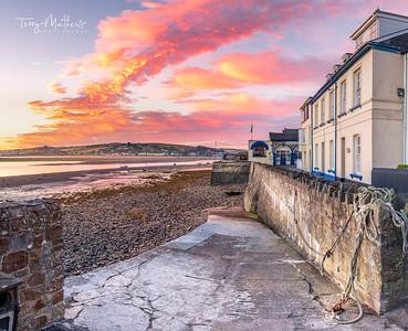 UK Weather: Beautiful sunrise in Appledore, North Devon.