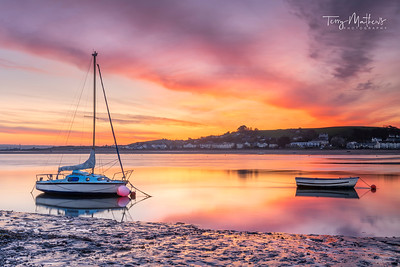 UK Weather: Colourful pre dawn sky in Appledore, North Devon.