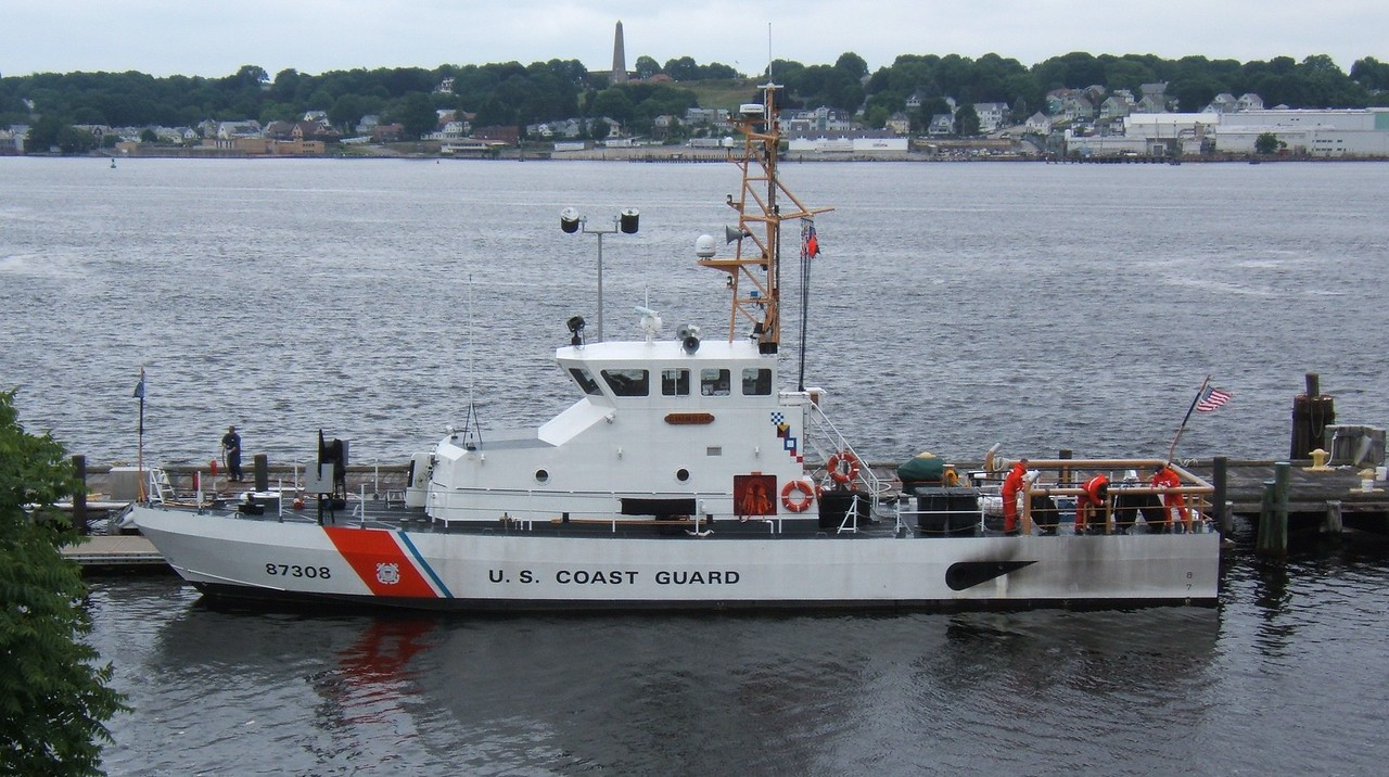 Coast Guard 87' Cutter Chinook (WPB 87308) -2009