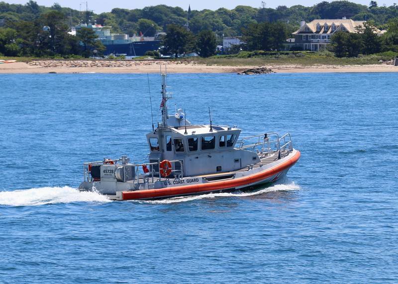 Medium Response Boat 45728 underway