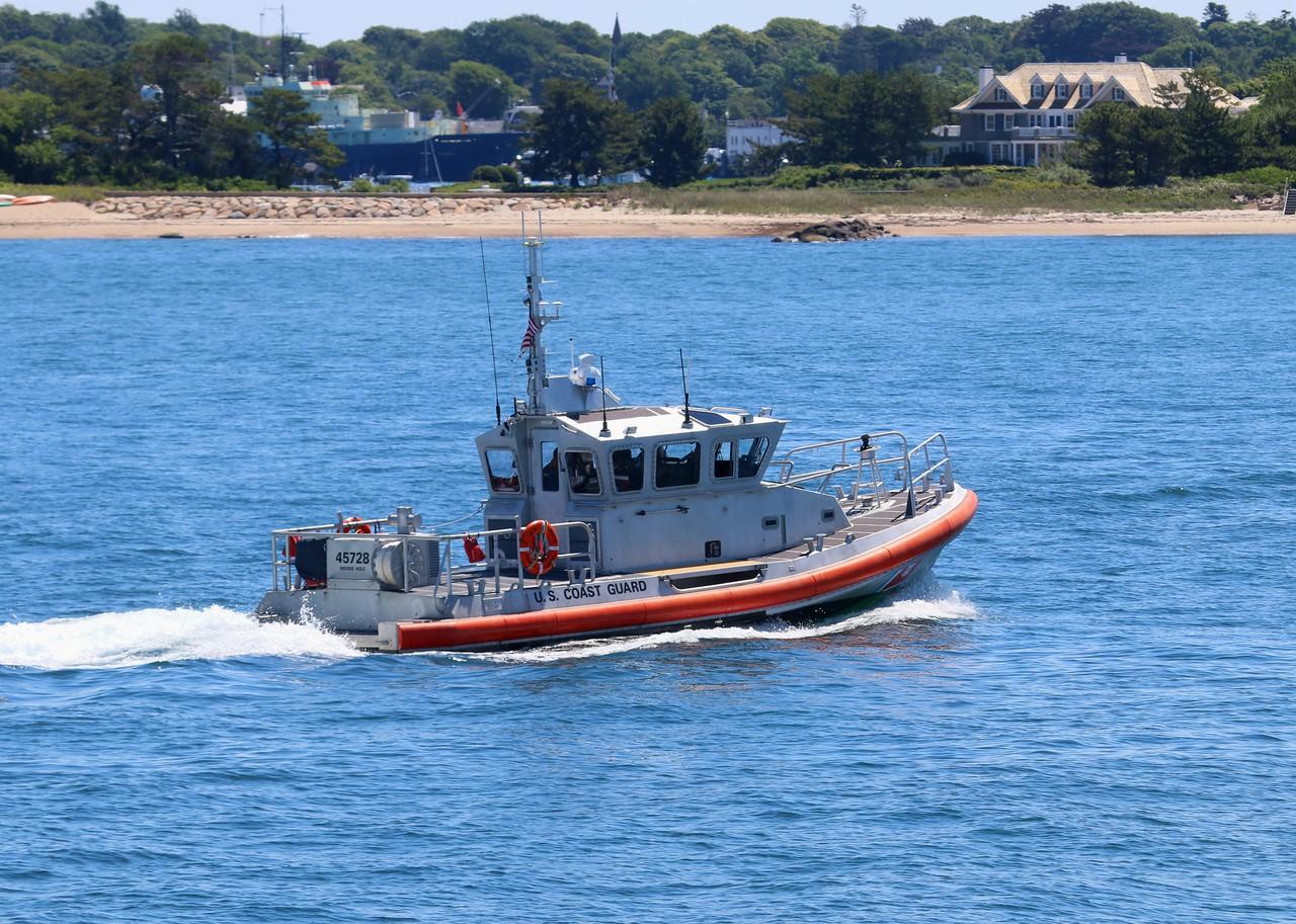 Medium Response Boat 45728 underway