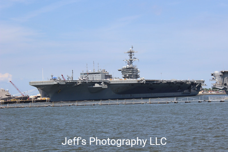 Aircraft Carrier USS Abraham Lincoln CVN-72