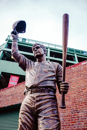 Statue of Carl Yastrzemski at Fenway Park, Boston