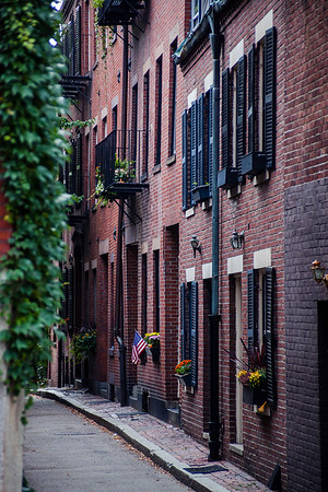 Narrow street in Boston's historic neighborhood, Beacon Hill