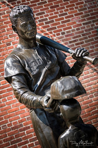 Bronze tribute to Ted Williams