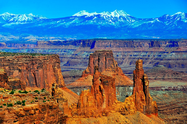 Canyonlands National Park with Colorado River and colorful rocks