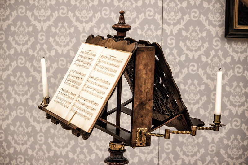 English Double Music Stand