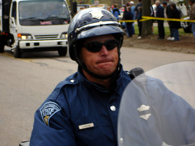 One of the cops at the lead pack - Chestnut Hill, MA - April 17, 2006 ... Photo by Rob Page III
