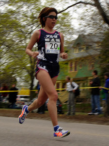 One of the elite women runners, from Japan - Chestnut Hill, MA - April 17, 2006 ... Photo by Rob Page III