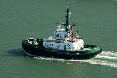 A tug boat in the bay - San Francisco, CA ... March 12, 2009 ... Photo by Rob Page III