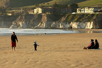 Afamily at the beach - Pismo Beach, CA ... March 9, 2009 ... Photo by Rob Page III