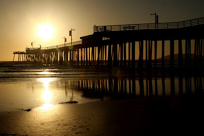 The Pismo Pier - Pismo Beach, CA ... March 9, 2009 ... Photo by Rob Page III