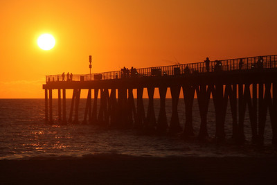 Hermosa Pier at sunset - Hermosa Beach, CA ... March 7, 2009 ... Photo by Rob Page III
