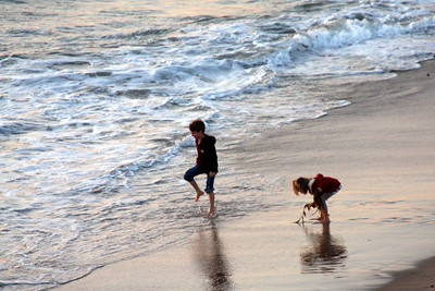 Children playing in the sand - Hermosa Beach, CA ... March 7, 2009 ... Photo by Emily Page
