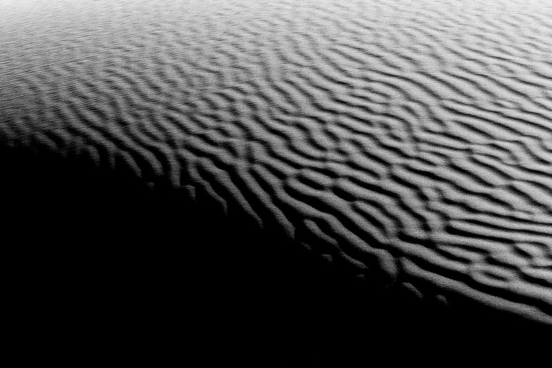 Death Valley, Mesquite Flat - Dune brain texture with strong contrast, black and white