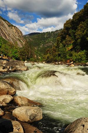 River in yosemite Park