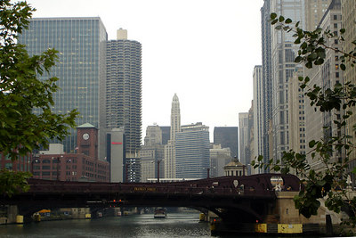 Looking down the Chicago River - Chicago, IL ... September 22, 2006 ... Photo by Rob Page III