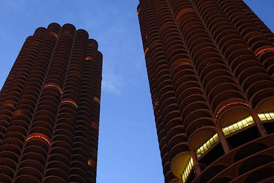 The Marina Towers in the twilight - Chicago, IL ... September 22, 2006 ... Photo by Rob Page III
