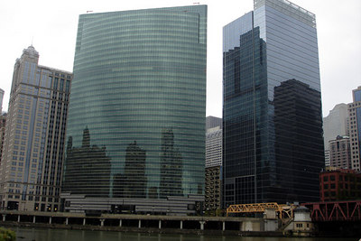 Along the bend in the Chicago River.  From left to right the buildings are 225 West Wacker, 333 West Wacker, and 191 North Wacker.  All the buildings were designed by Kohn Peterson Fox Associates PC - Chicago, IL ... September 23, 2006 ... Photo by Emily Conger