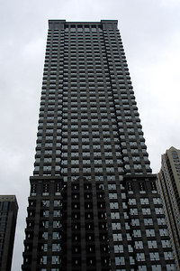 The Leo Burnett Building.  Completed in 1989, it rises 635 ft above the river - Chicago, IL ... September 23, 2006 ... Photo by Rob Page III