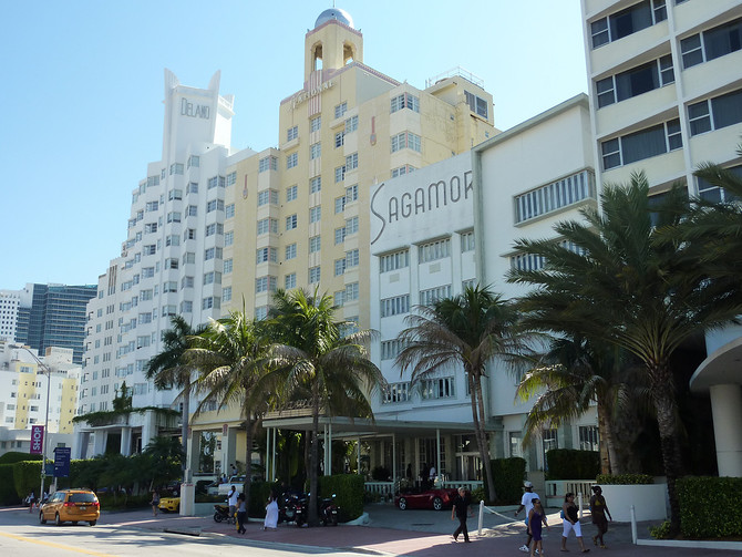 Collins Ave Art Deco Hotels