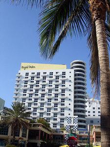 Miami Beach, FL ... September 18, 2005 ... Photo by Rob Page III