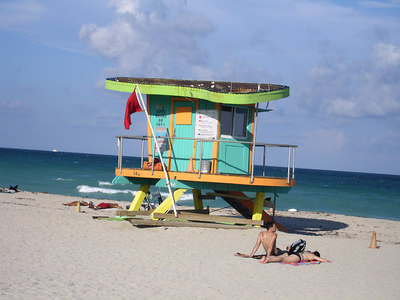 14th St. Lifeguard stand - Miami Beach, FL ... September 18, 2005 ... Photo by Rob Page III