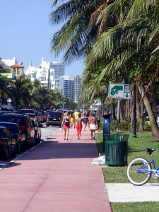 Walking down OCean Dr. - South Beach, FL ... September 18, 2005 ... Photo by Rob Page III