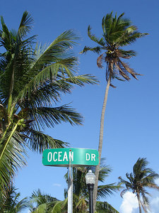 Ocean Dr - Miami Beach, FL ... September 18, 2005 ... Photo by Rob Page III