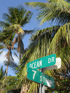 Ocean and 7th - South Beach, FL ... September 18, 2005 ... Photo by Rob Page III