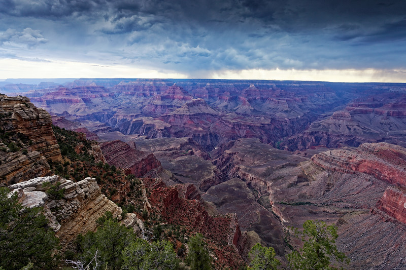 Outlook near Mather Point at Grand Canyon South Rim