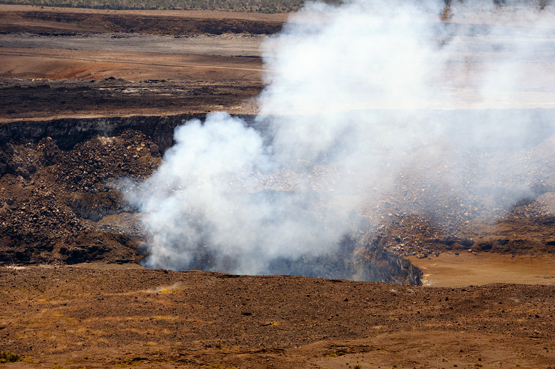 Hawaii, Volcanoes NP - Steam from the crater