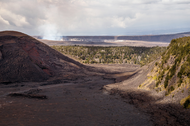 Hawaii, Volcanoes NP - Crater view from Kilauea Iki