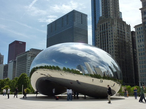 Cloud Gate Sculpture, Chicago - USA