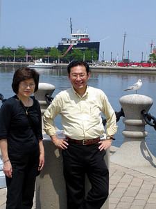 Mama and Papa Kato enjoying the sun at the harbour in Cleveland - Cleveland, OH ... June 10, 2005 ... Photo by Rob Page III