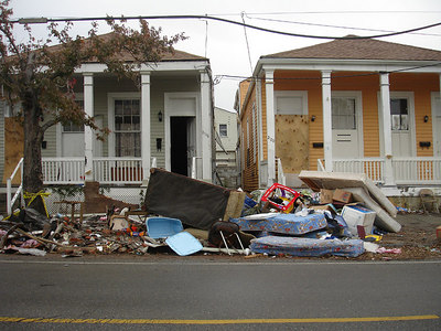 Houses in the Central City / Garden District of New Orleans between Simon Bolivar Ave. and St. Charles Ave. - New Orleans, LA ... December 17, 2005 ... Photo by Rob Page III