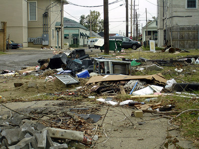 The Central City / Garden District of New Orleans between Simon Bolivar Ave. and St. Charles Ave. - New Orleans, LA ... December 17, 2005 ... Photo by Rob Page III