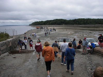 Low tide bridge to Bar Island