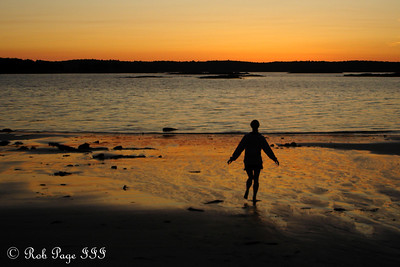 Emily playing on the beach - Pemaquid, ME ... September 2, 2007 ... Photo by Rob Page III