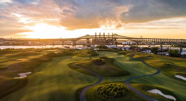 Skyway Golf Course - 17