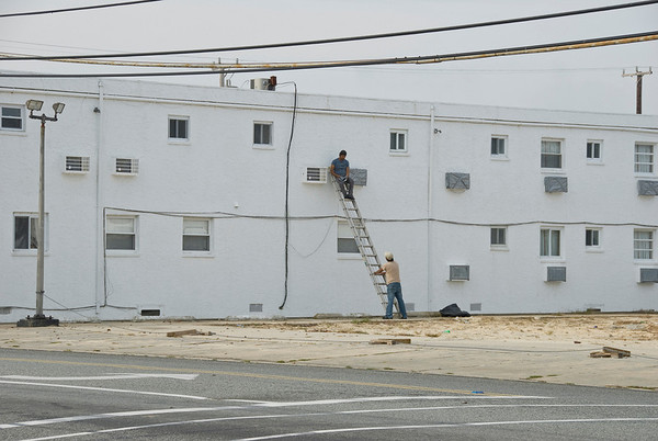 Off-season maintenance on a local motel in Widlwood, NJ.