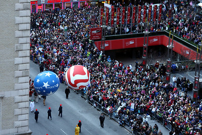 Only a couple people came out for the parade - New York, NY ... November 27, 2008 ... Photo by Rob Page III