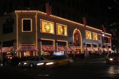 The front of Lord & Taylors - New York, NY ... December 16, 2006 ... Photo by Rob Page III