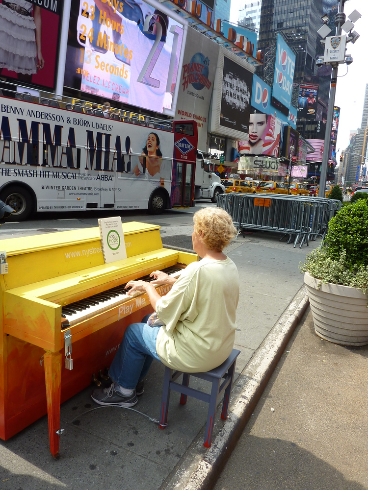 Street Piano at Times Square