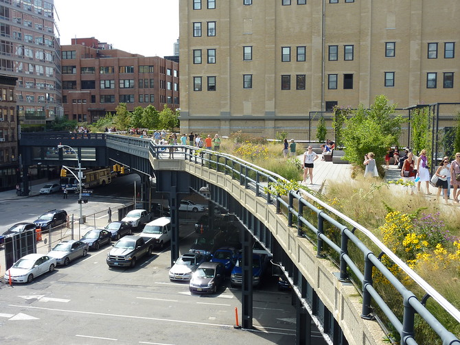 The High Line at W17th St